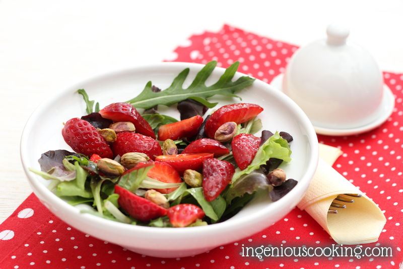 Balmy strawberry-pistachos salad