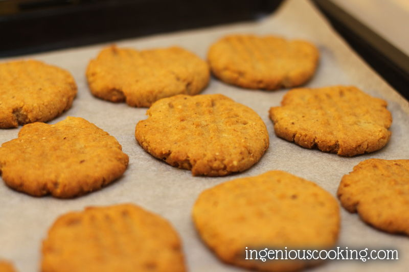 Hazelnut shortbread cookies: sugarfree, gluten-free, vegan recipe