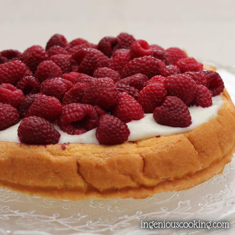 Quick vanilla sponge cake with fresh raspberries (sugar-, gluten- and dairy-free recipe)